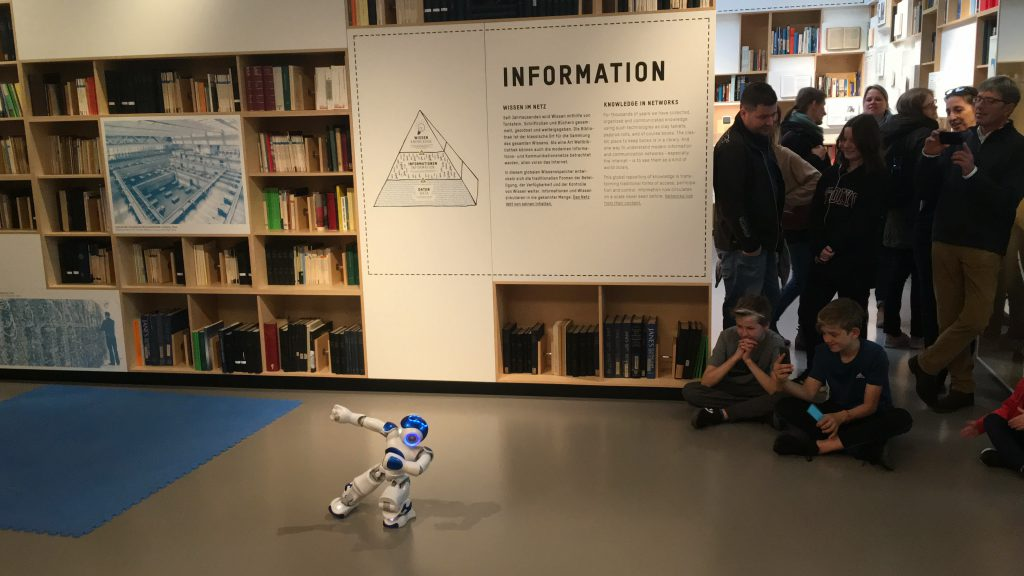 Robobter Nao in Aktion - Technikmuseum Berlin